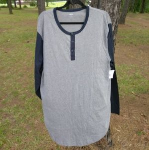 Old Navy Men's Long Sleeve Gray and Black Henley